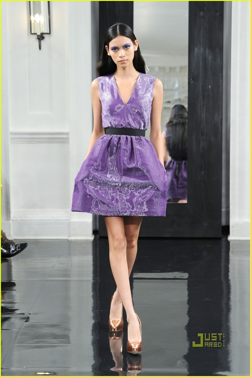 victoria beckham ny fashion week 112479398