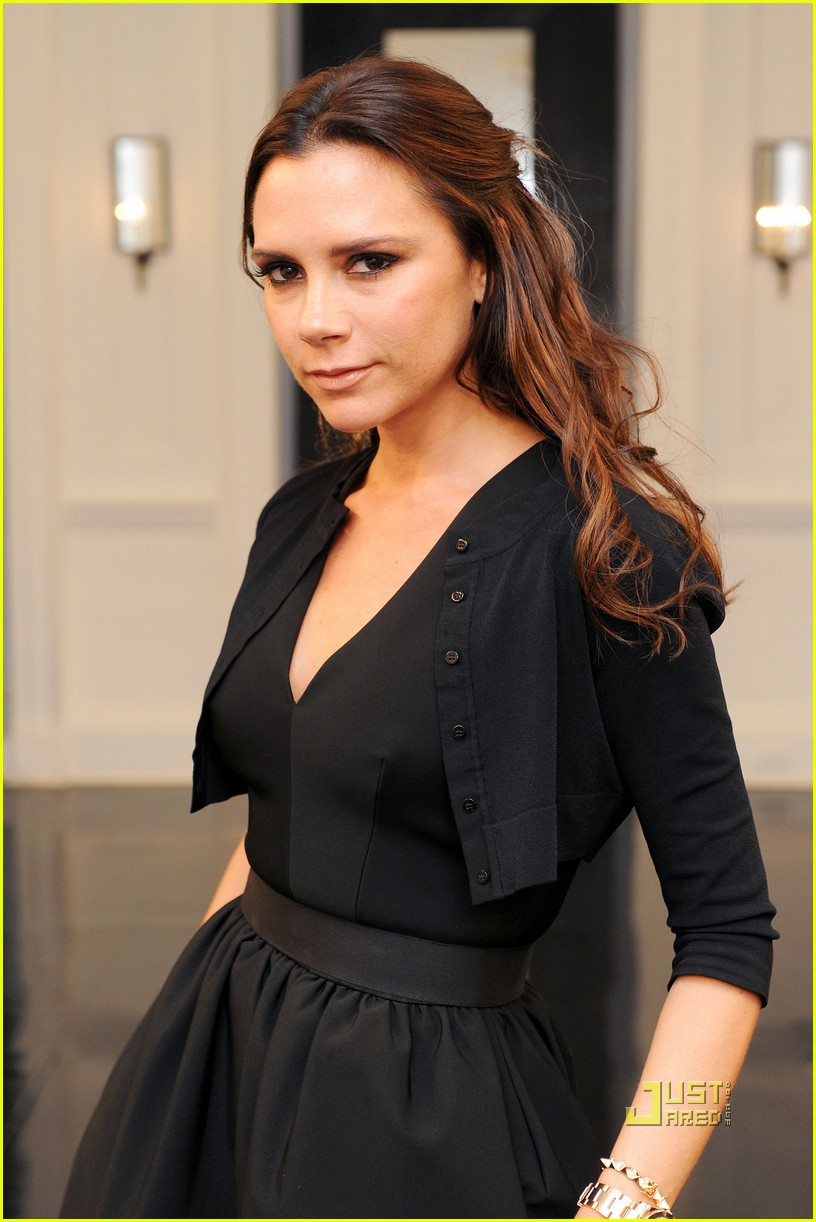 victoria beckham ny fashion week 392479426