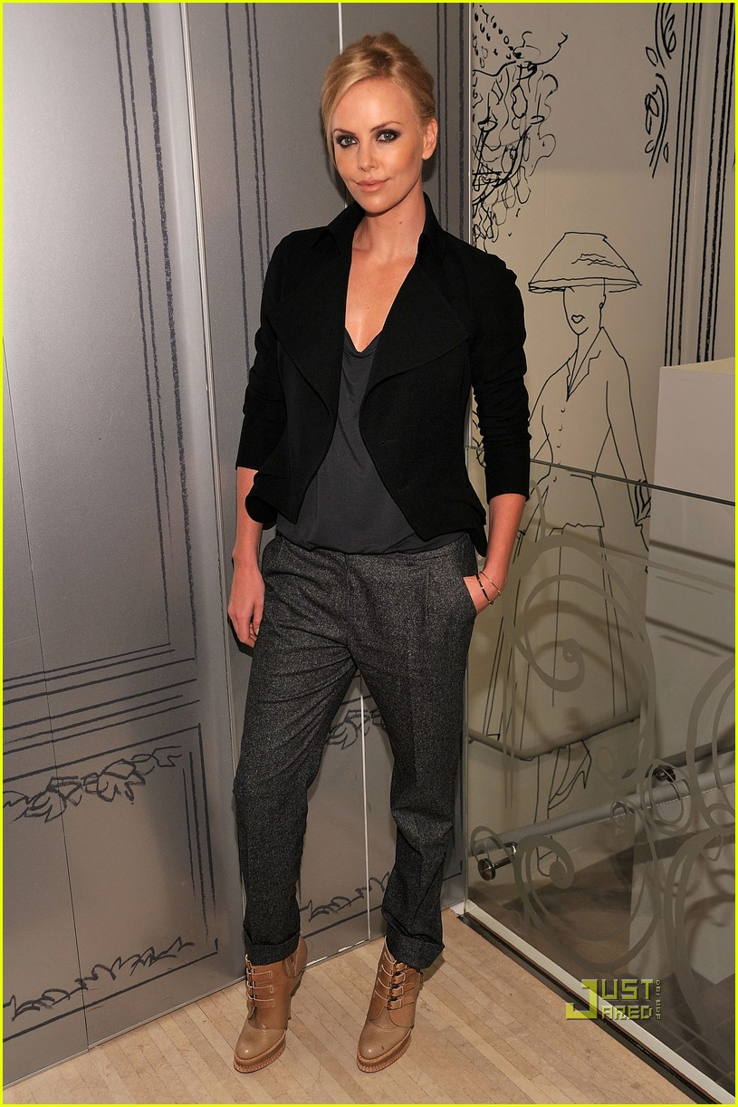 Charlize Theron Fashion 39 S Night Out With Dior Photo