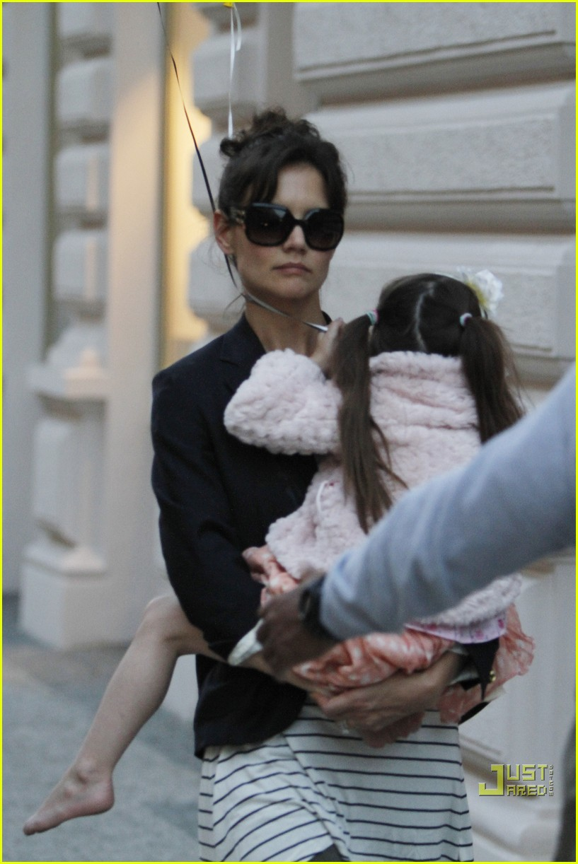 suri cruise bonding time czech 01