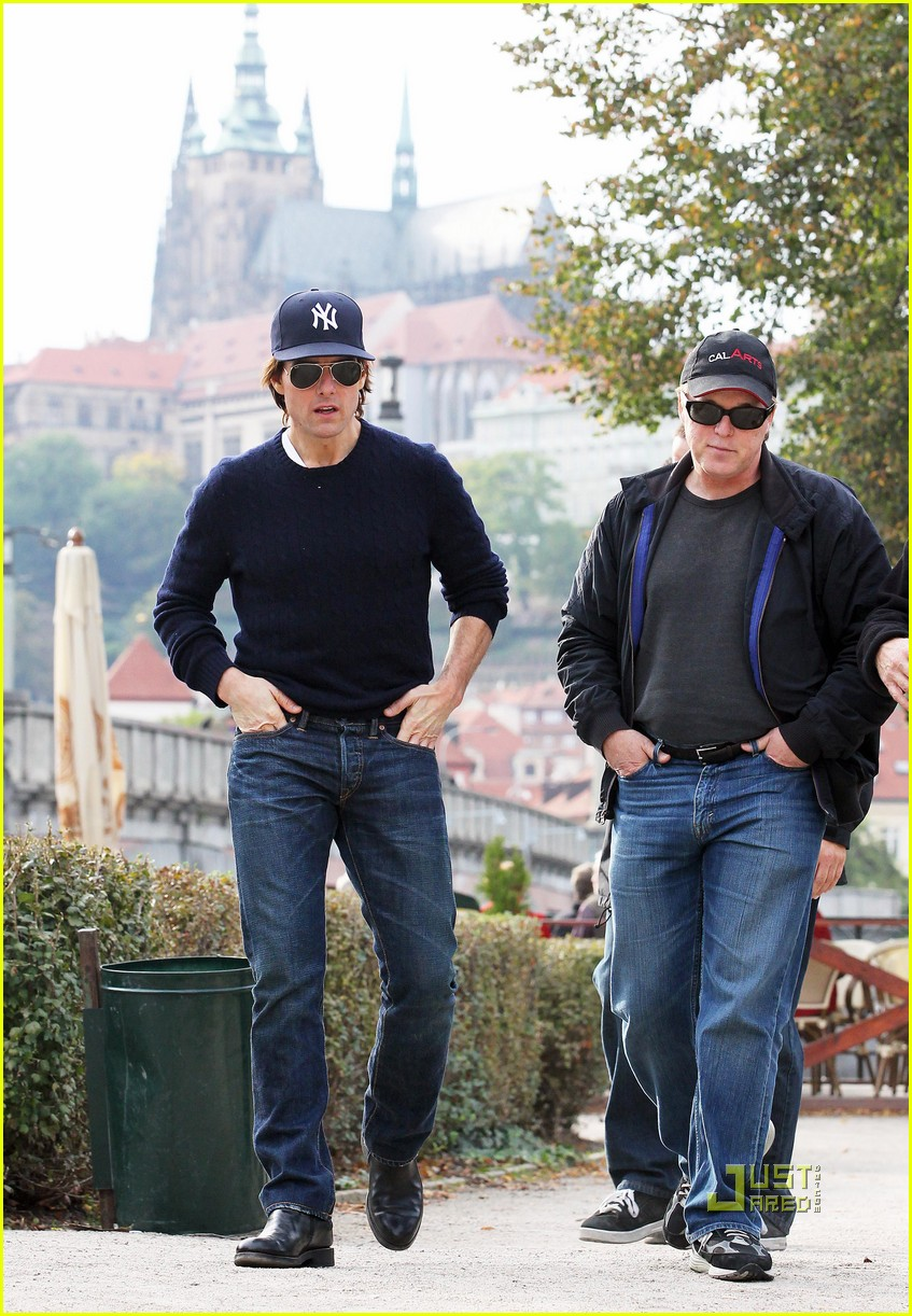 tom cruise scouting location prague 03