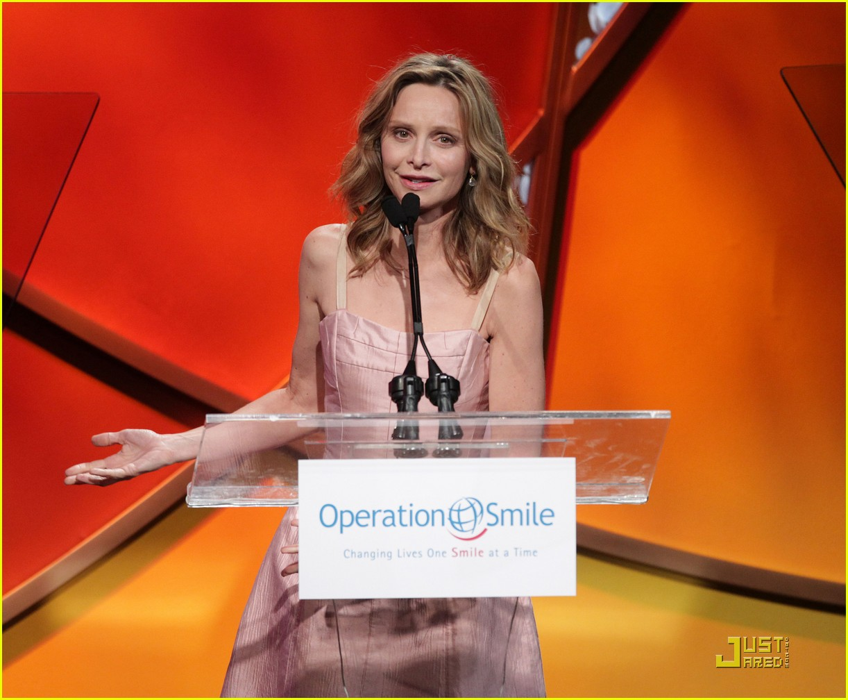 calista flockhart operation smile gala 06