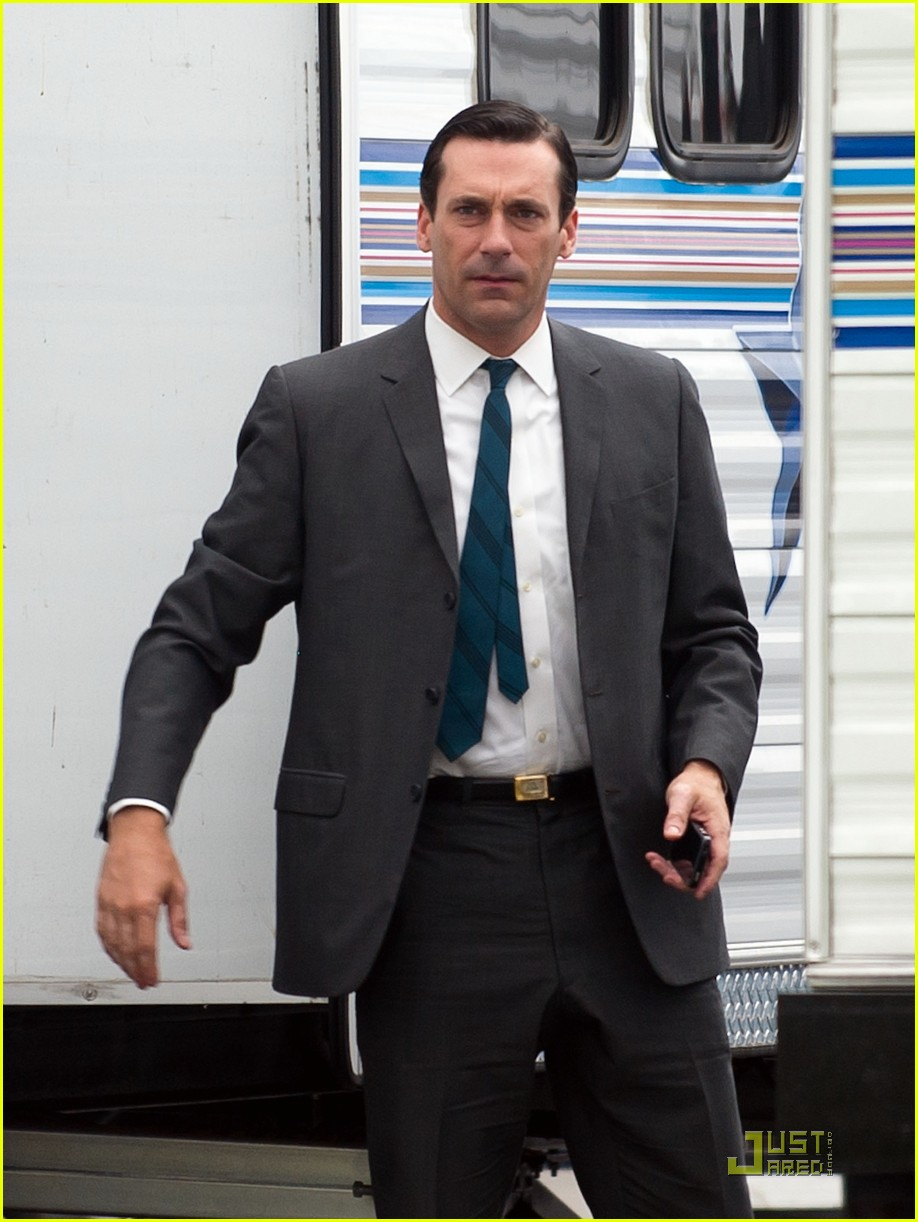 jon hamm back into madness 03
