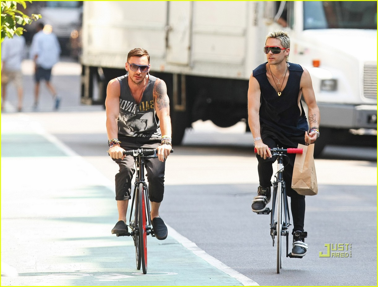 jared leto bicycle boy in soho 03
