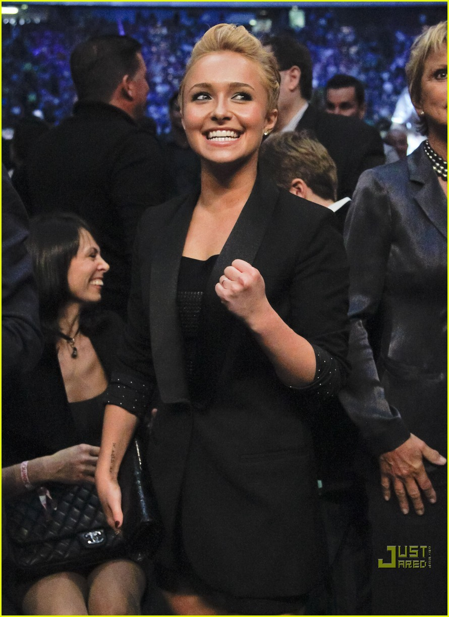 hayden panettiere cheers on boxing boyfriend 07