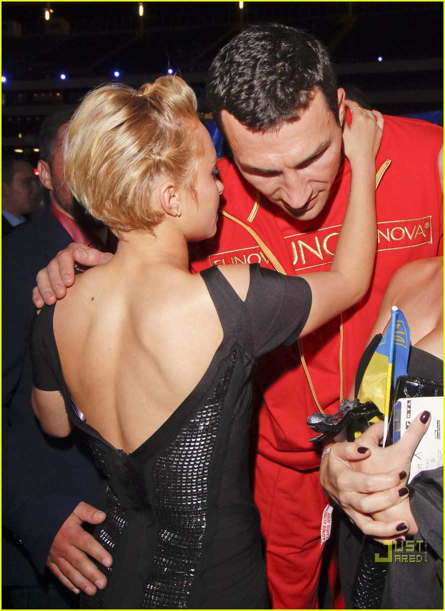 hayden panettiere cheers on boxing boyfriend 08