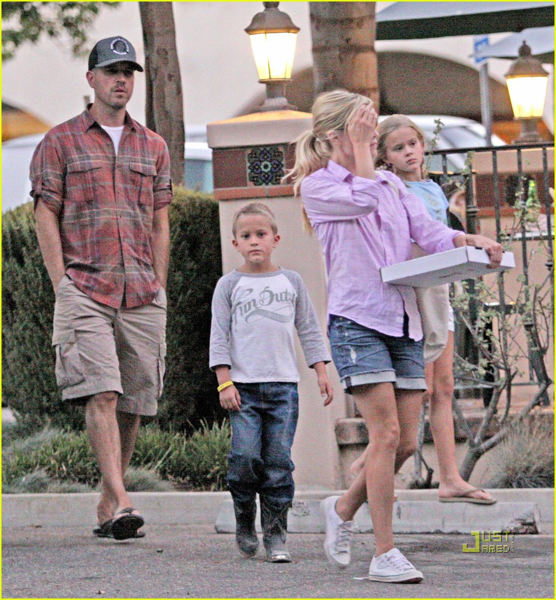 reese witherspoon ojai 02