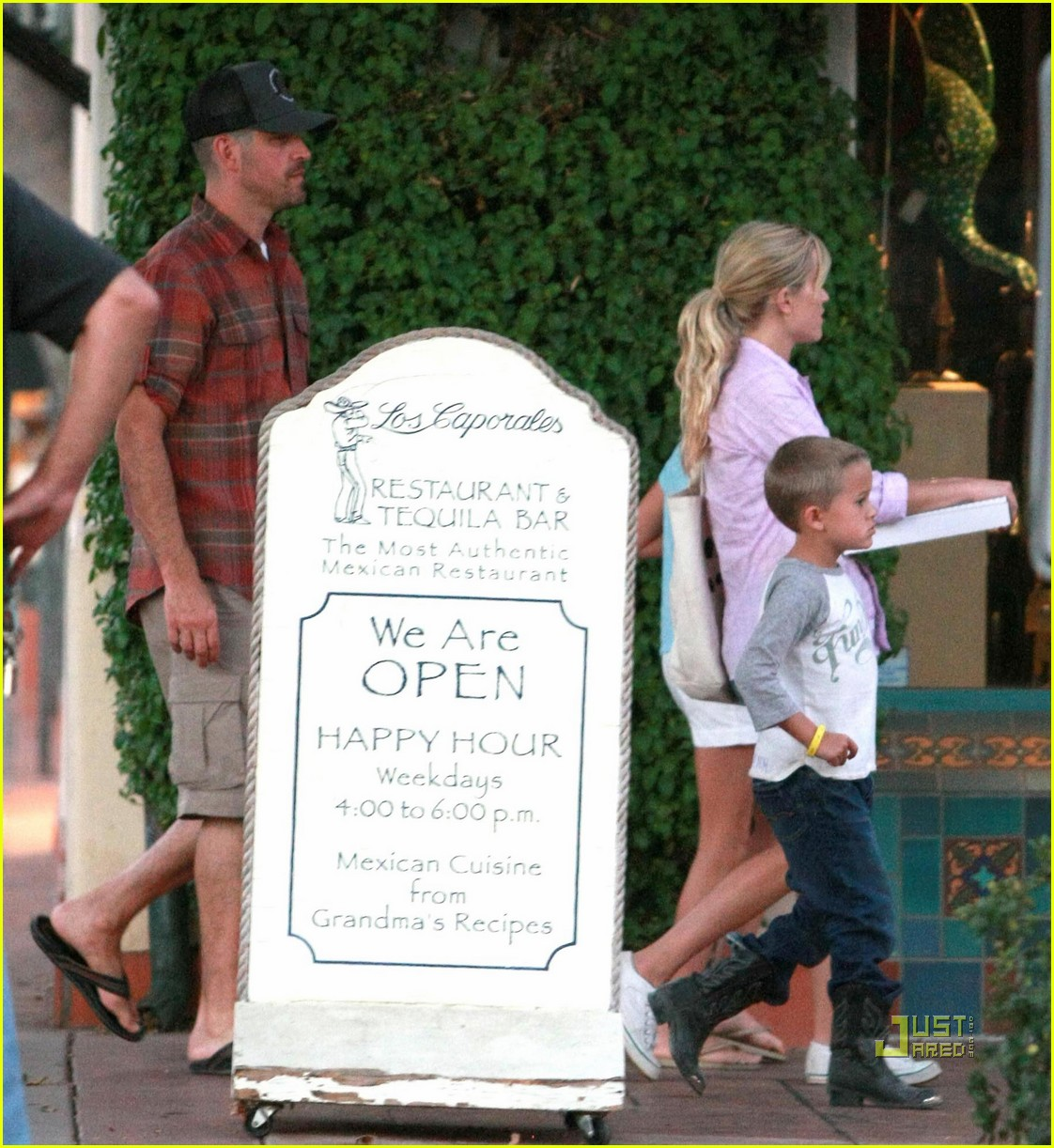 reese witherspoon ojai 08
