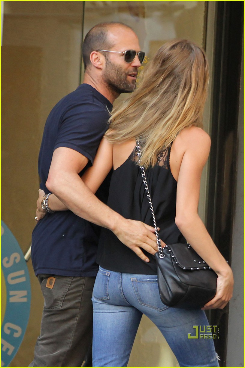 jason statham rosie huntington whiteley hail a cab 01
