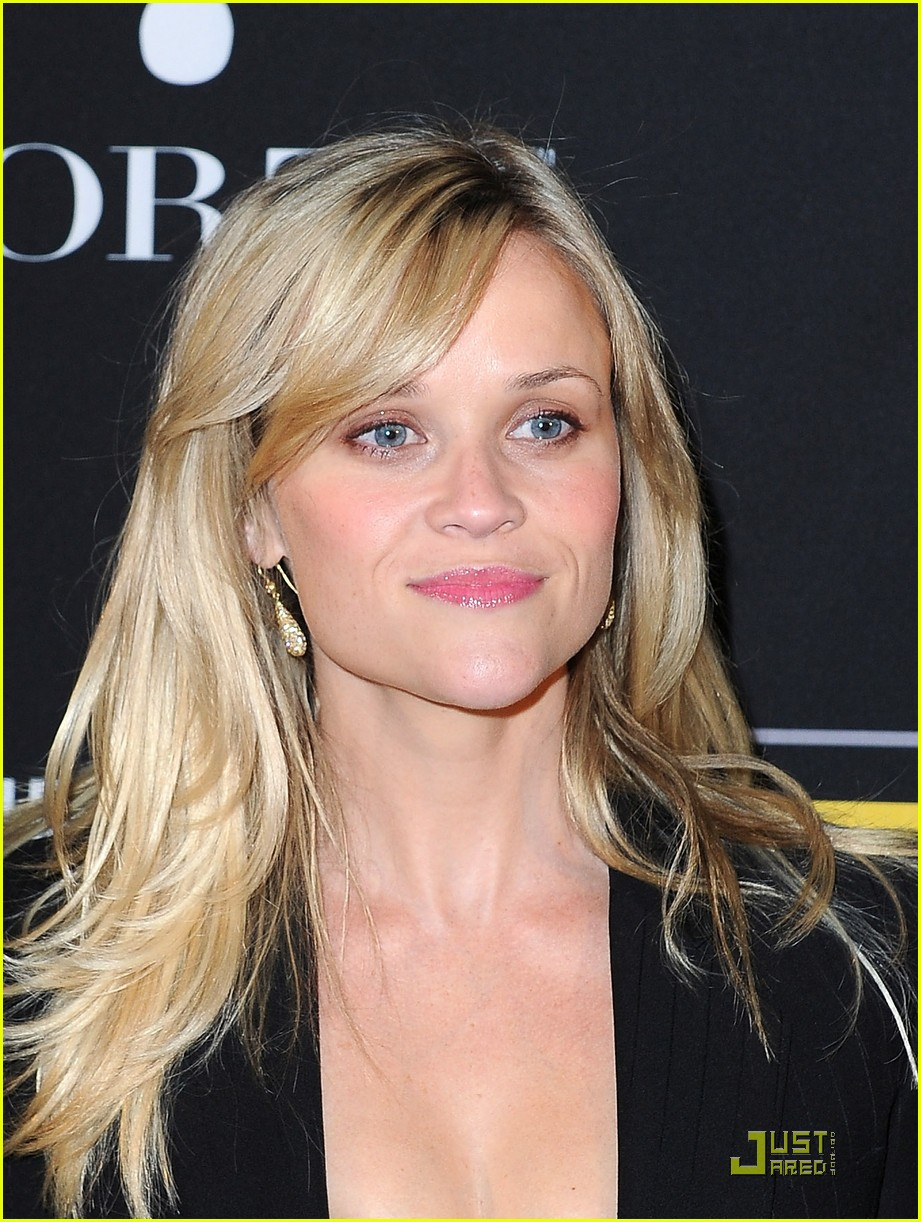 reese witherspoon livestrong foundation 03
