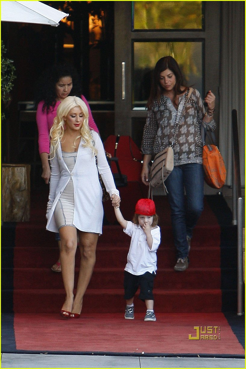 christina aguilera sls move out with max 06