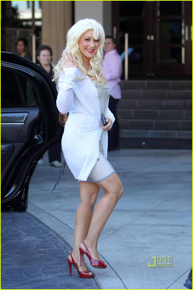 christina aguilera meeting at the sls hotel 07