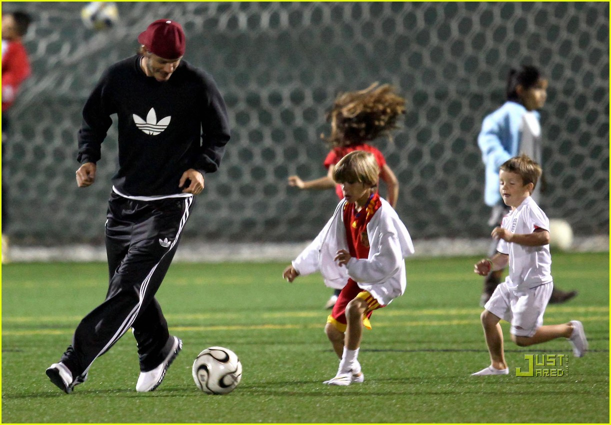 david beckham boys soccer game 162486244