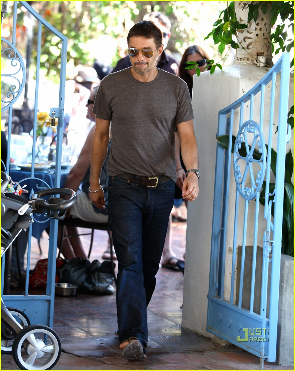 halle berry olivier martinez see through shirt 04