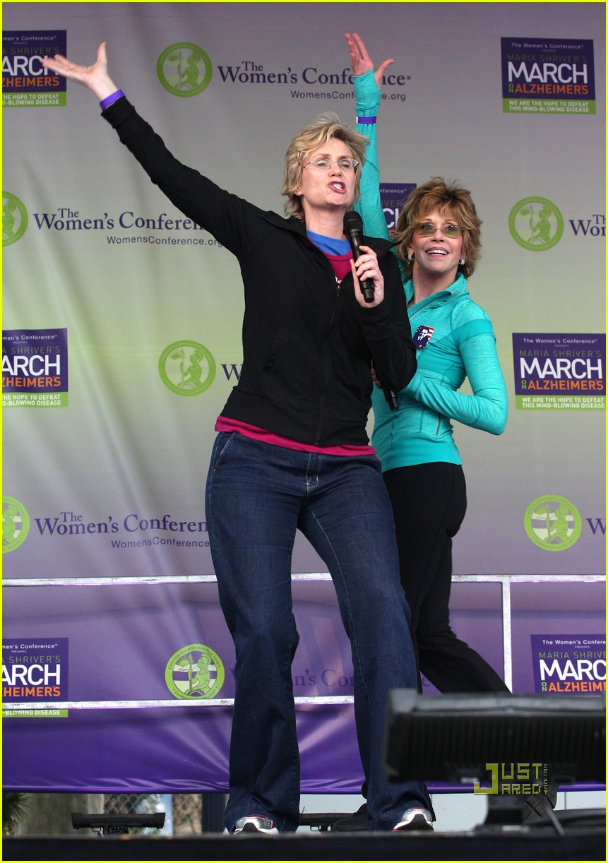 jane lynch gets physical with jane fonda 03