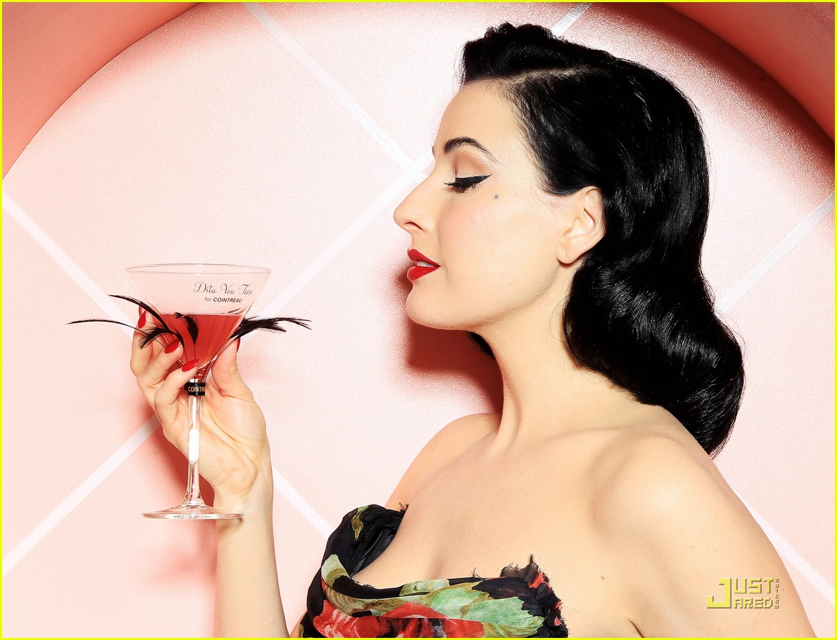 dita von teese gets private cointreau 05