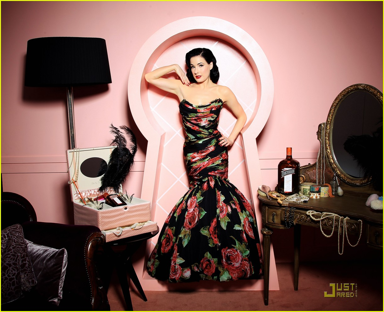 dita von teese gets private cointreau 102489175