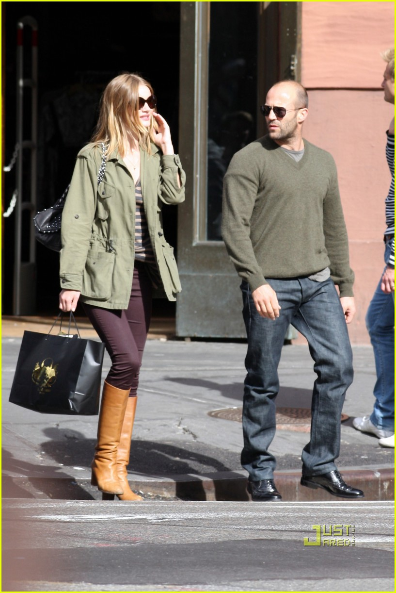 rosie huntington whiteley jason statham noho shopping spree 01