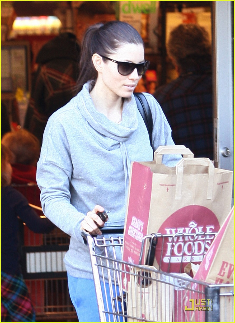 jessica biel whole foods shopper 032499620