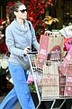 jessica biel whole foods shopper 09