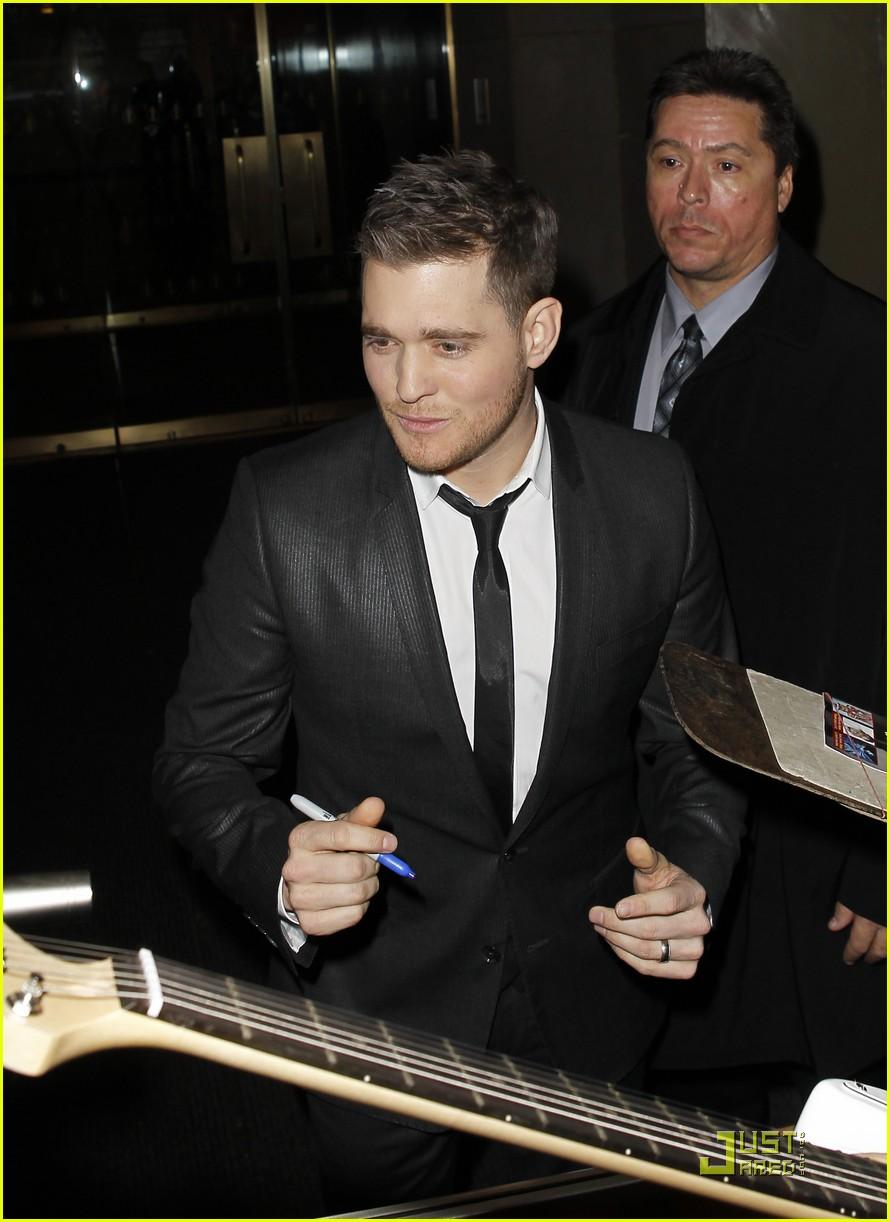 Michael Buble Wedding Date Set Photo 2499638 Michael