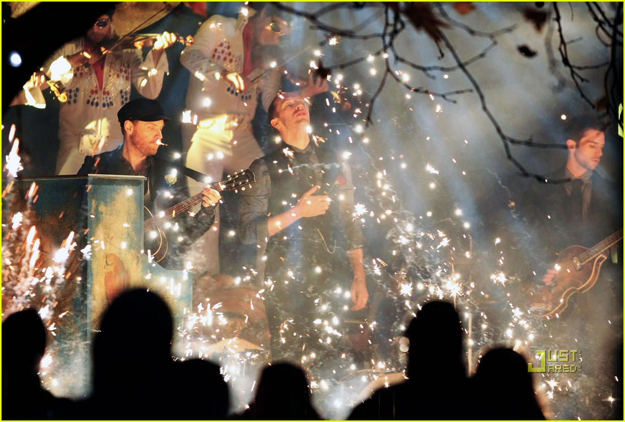 coldplay christmas lights video preview 042498753