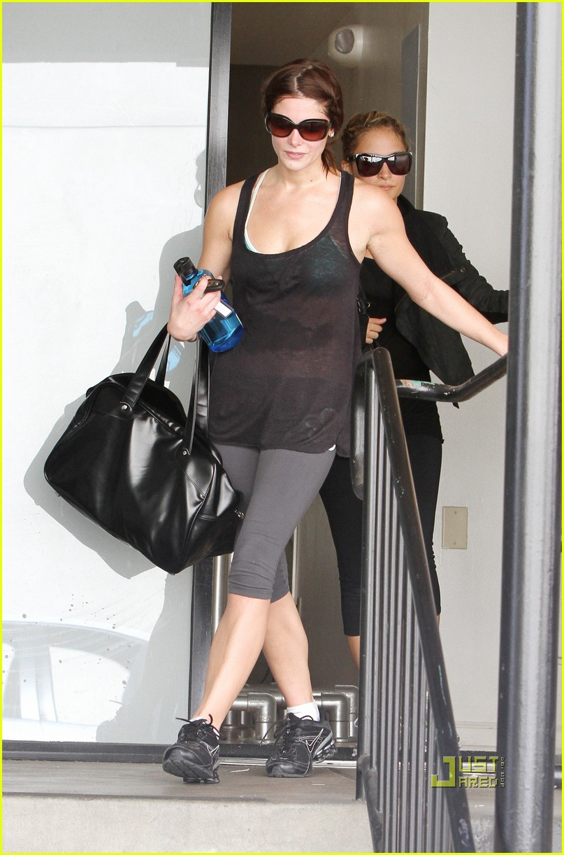 nicole richie ashley greene gym studio city 08
