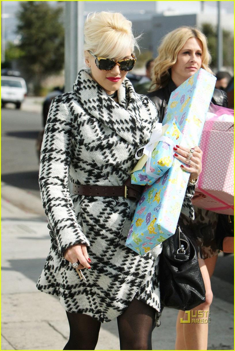 Gwen Stefani: Baby Shower for Erin Lokitz!: Photo 2493577 ... Erin Lokitz Gwen Stefani