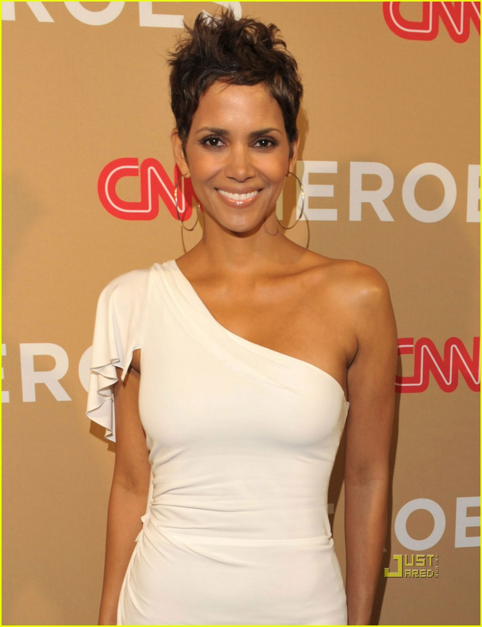 halle berry cnn heroes 042497226