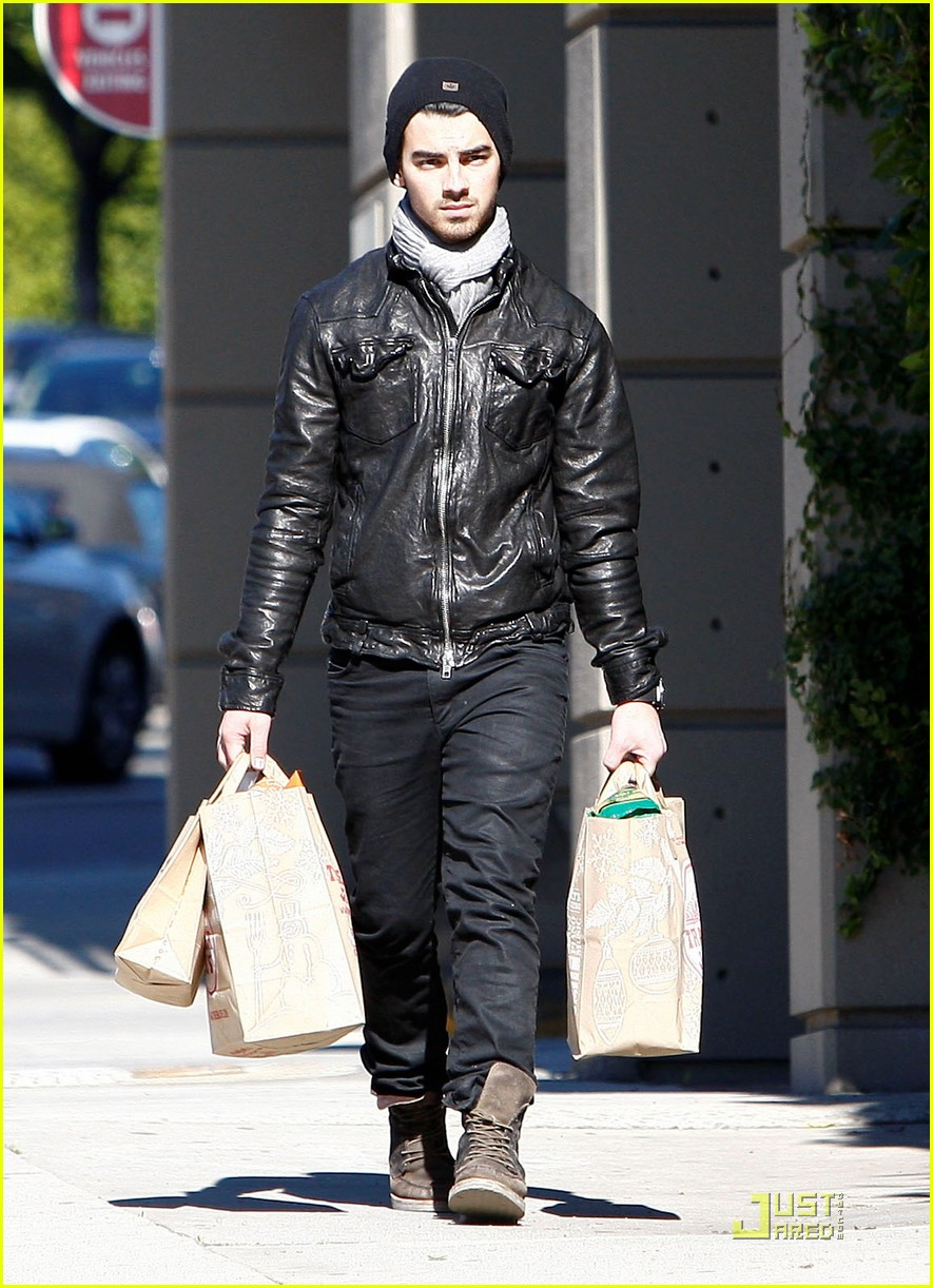joe jonas ashley greene hollywood 10