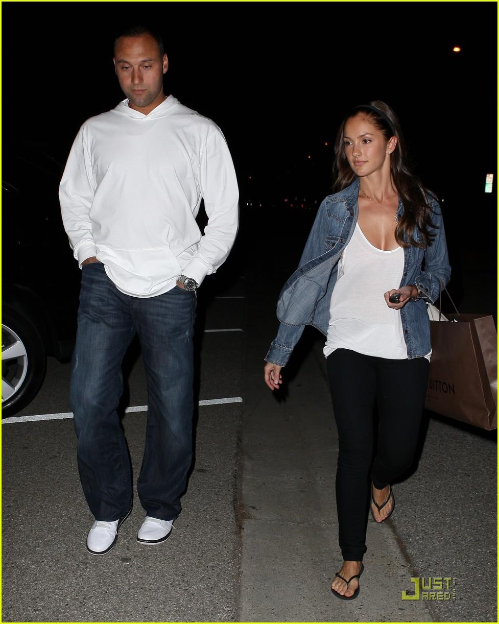Minka Kelly & Derek Jeter Leave Louis Luitton: Photo ...