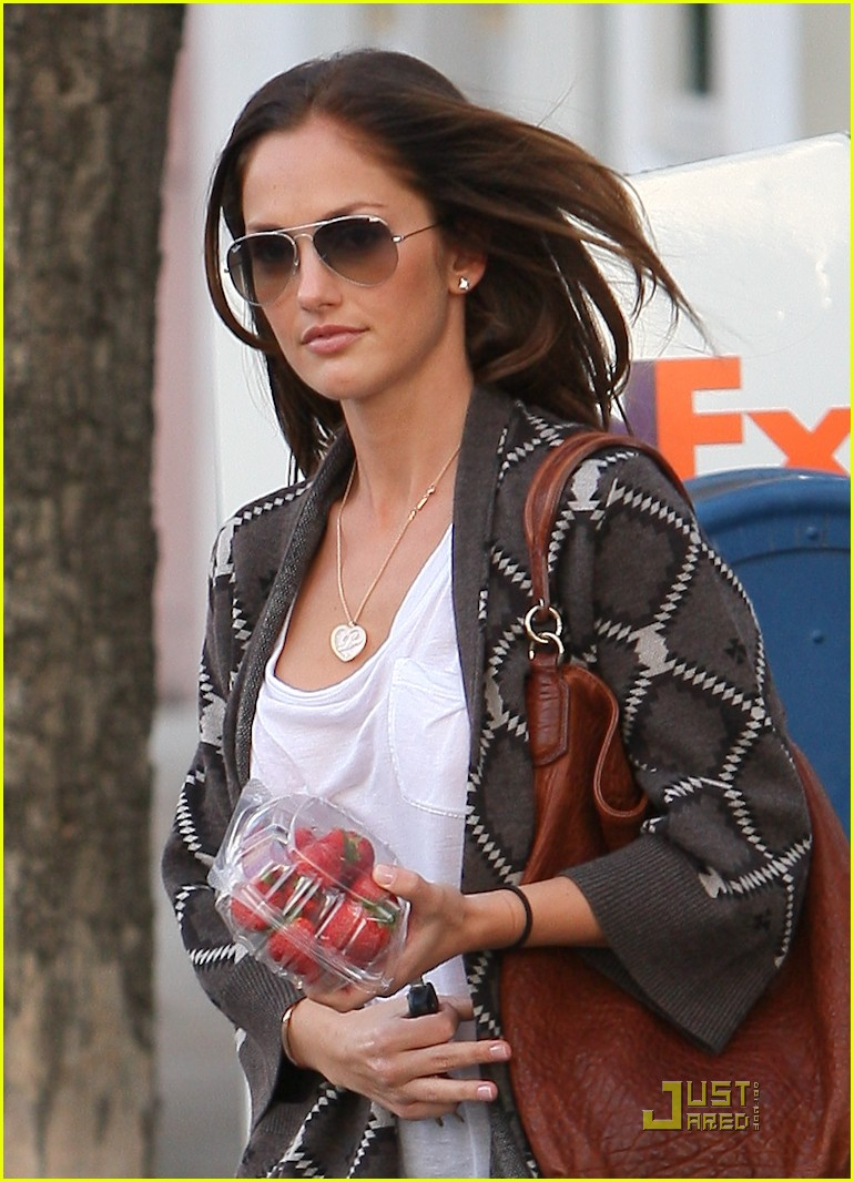 minka kelly strawberry sweet 032498235