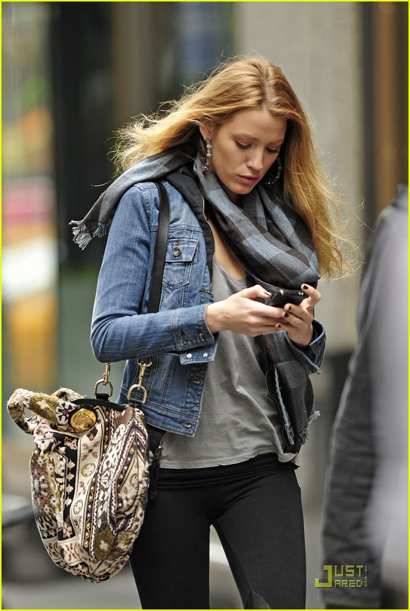 blake lively zegers phone break 06