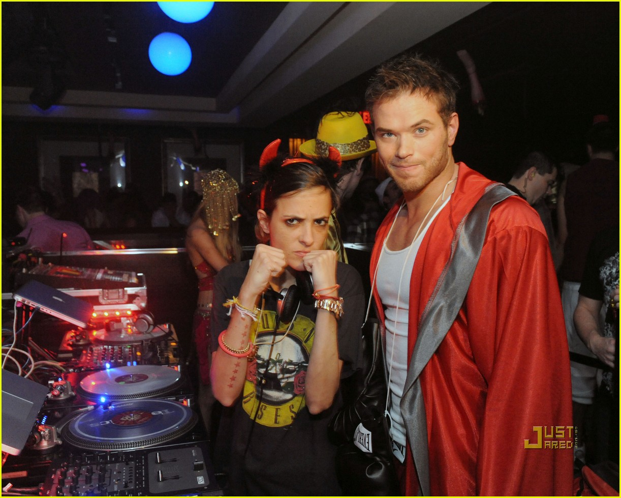 Kellan Lutz: Atlantic City Halloween Party!: Photo 2492034 | Audra ...