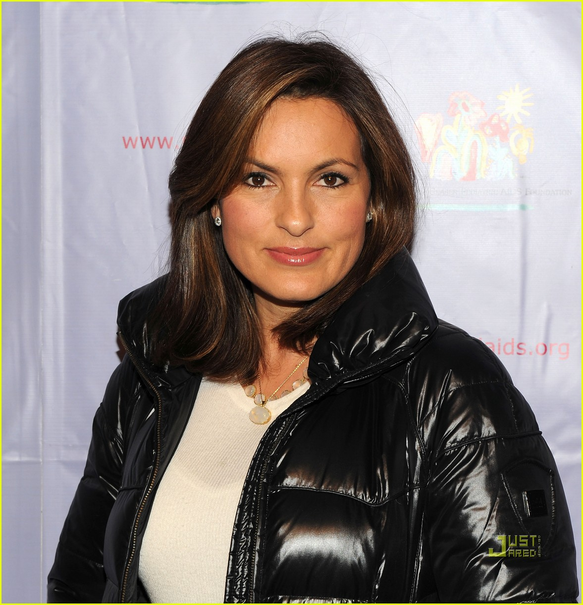mariska hargitay august glaser pediatric aids foundation event 05