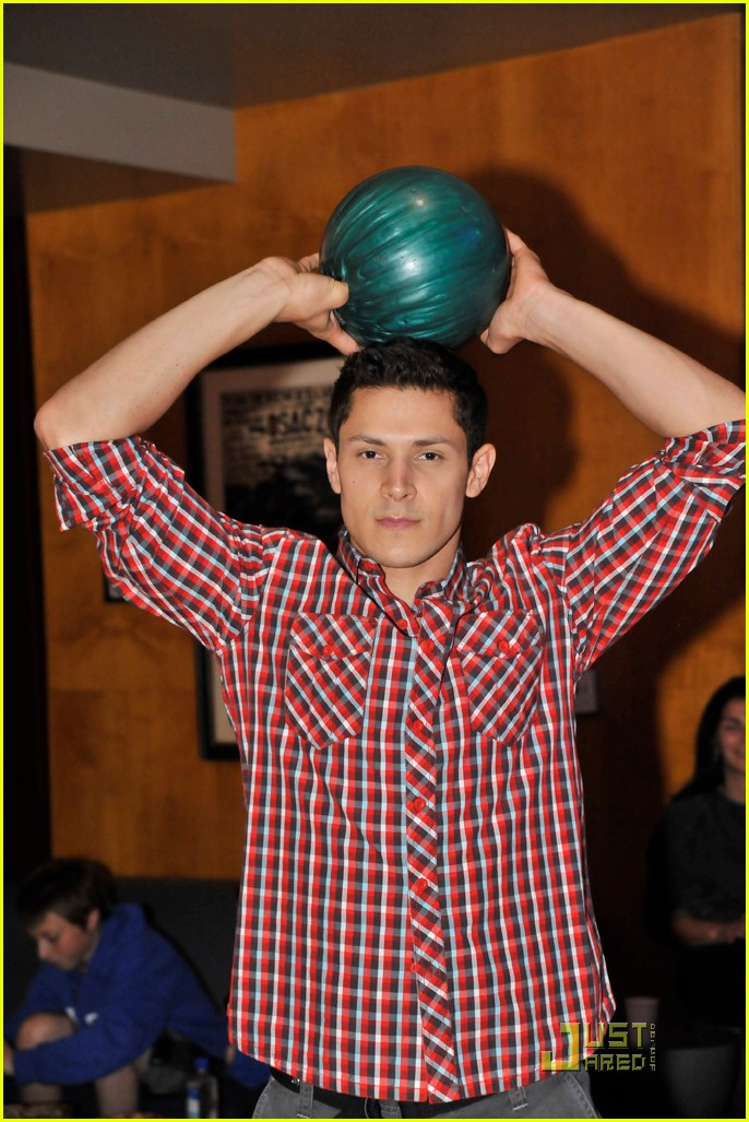 cory monteith bowling 01
