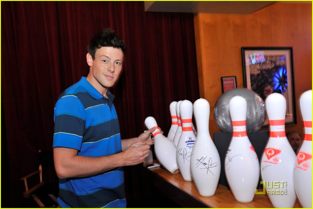 cory monteith bowling 04