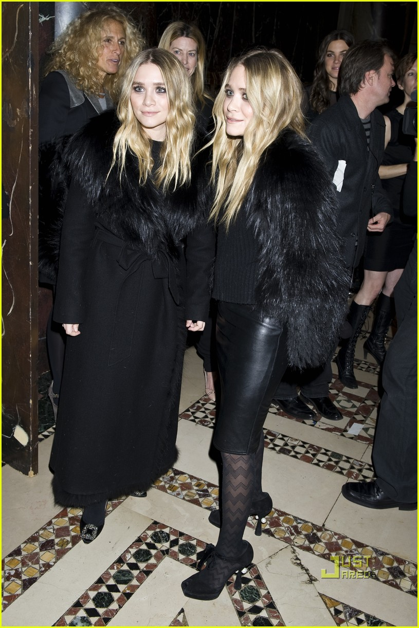 mary kate ashley olsen womens wear daily gala 14