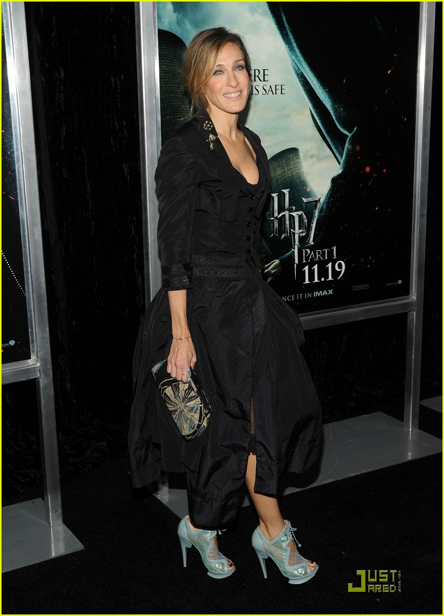 sarah jessica parker beauty in black 02