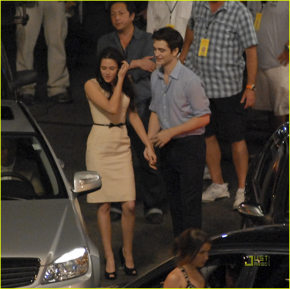 robert pattinson kristen stewart breaking dawn smooch 31