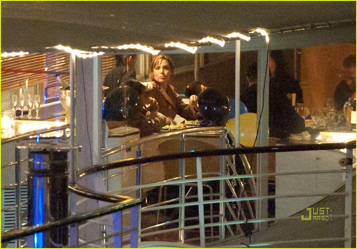 brad pitt angelina jolie pax birthday boat 16