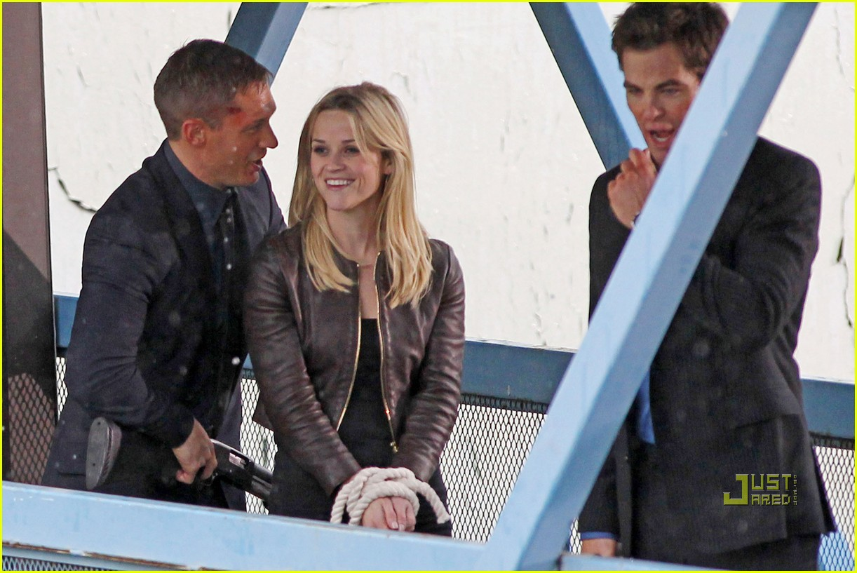 reese witherspoon tom hardy chris pine this means war 01