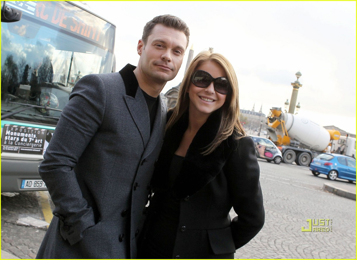 ryan seacrest julianne hough black friday 24