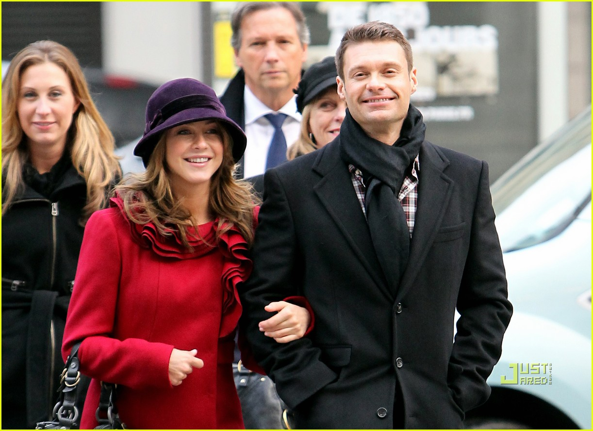 ryan seacrest julianne hough paris 01