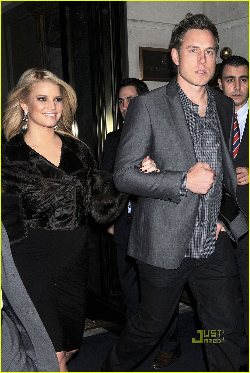 jessica simpson eric johnson date night in nyc 01