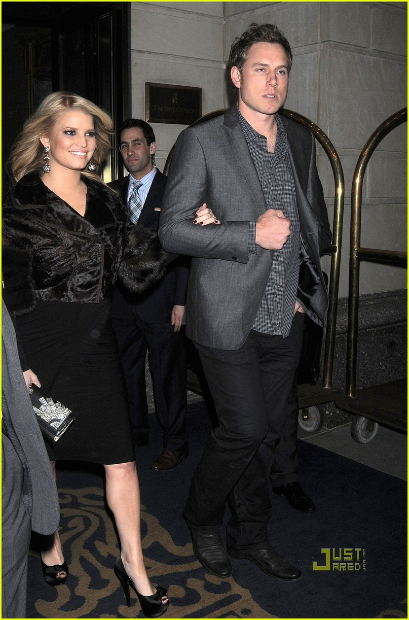 jessica simpson eric johnson date night in nyc 04