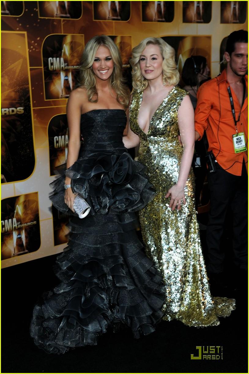 Kellie Pickler And Carrie Underwood carrie underwood kellie