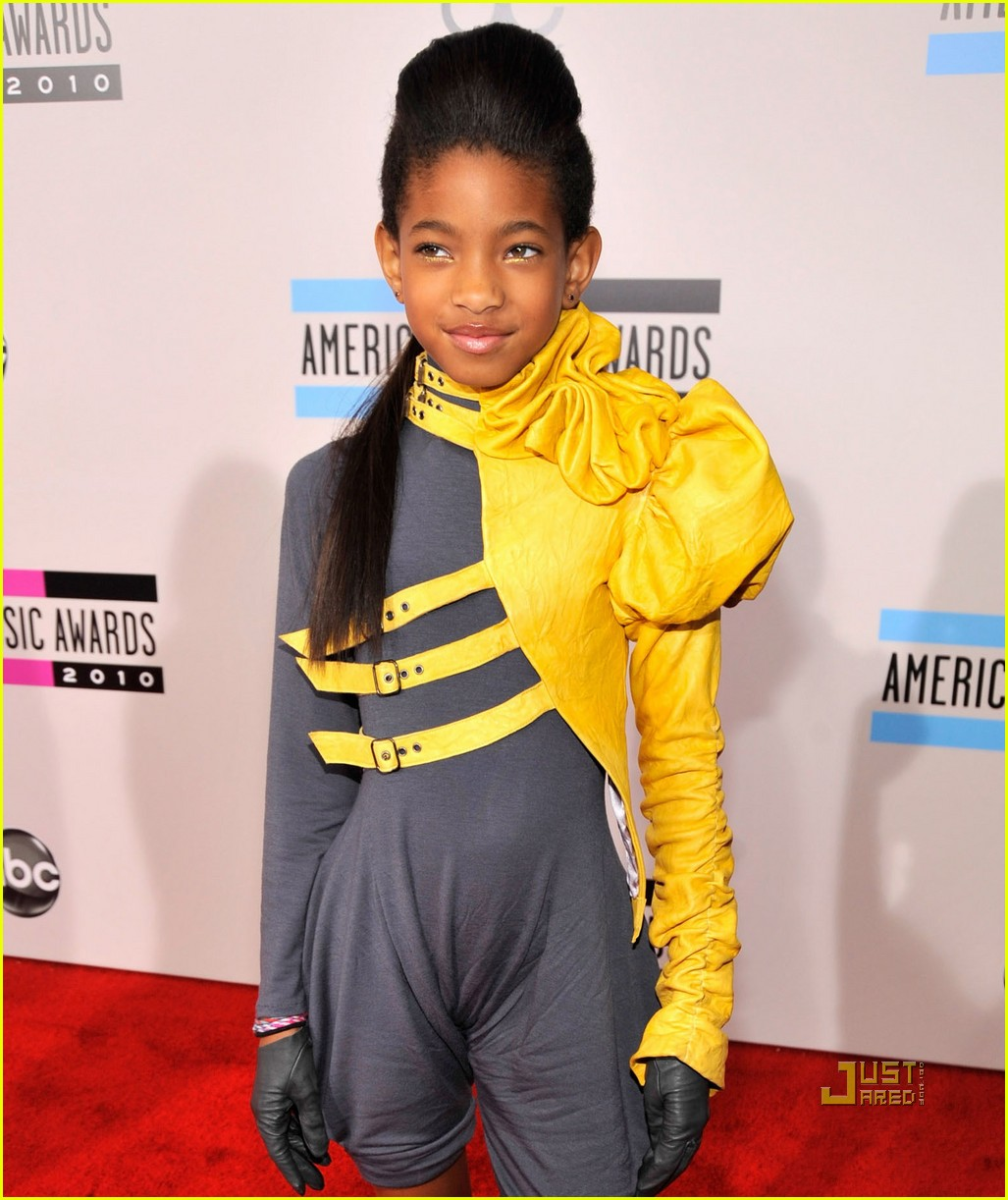 willow smith amas red carpet 2010 022497299