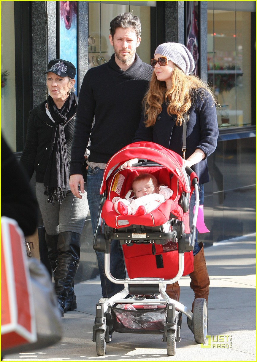 amy adams christmas shopping darren le gallo 05