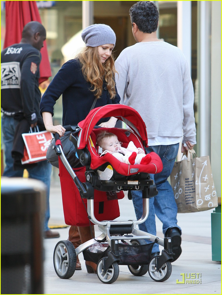amy adams christmas shopping darren le gallo 14
